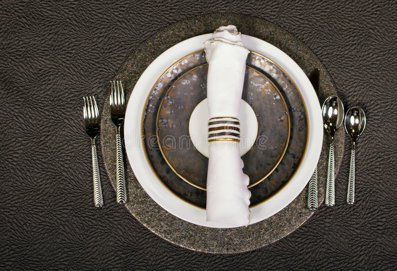 典雅的餐位餐具表