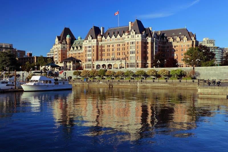 内在港口和女皇旅馆晚上光的,维多利亚, B C 免版税库存照片
