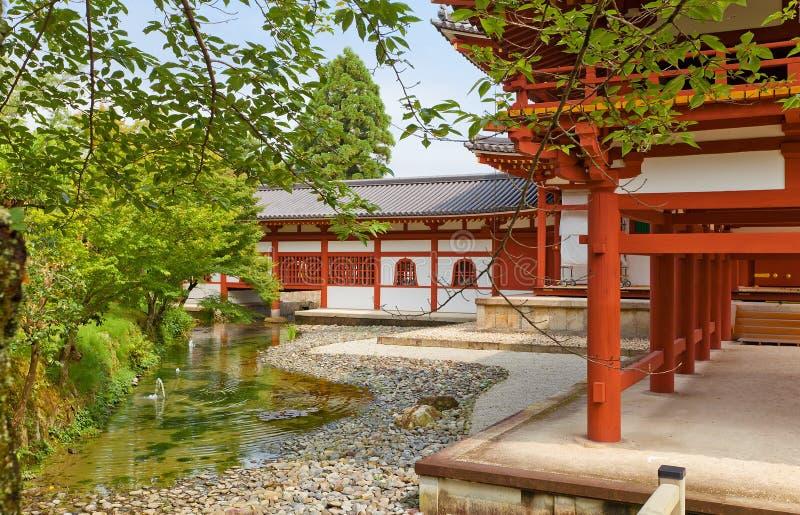 内在围场Byodo在寺庙的菲尼斯霍尔在Uji,日本 图库摄影