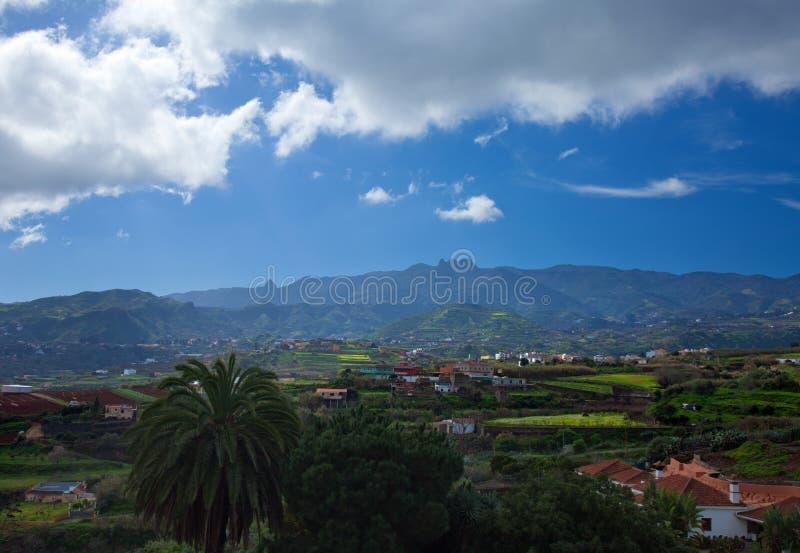 内地大加那利岛,往中央山的看法 图库摄影