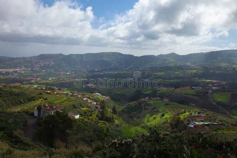 内地大加那利岛,往中央山的看法 免版税图库摄影