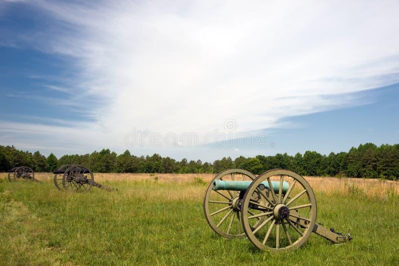 内战大炮行在战场的 免版税图库摄影