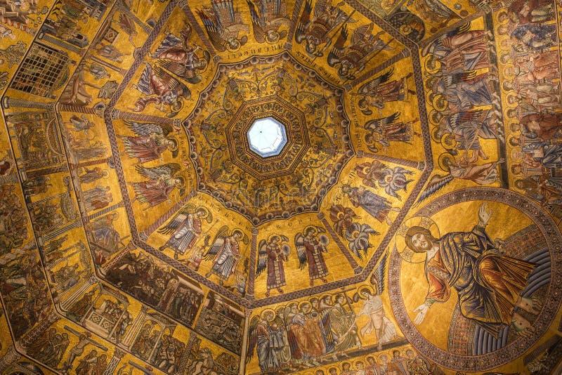 内部和圣约翰洗礼池建筑细节在佛罗伦萨,意大利 库存图片