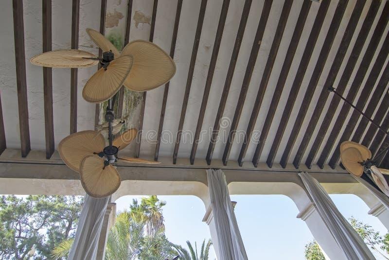 内部和大阳台在室内设计商店LivingDreams 库存图片