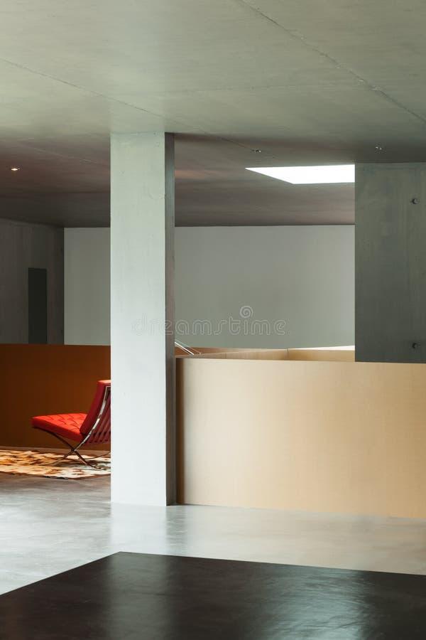 内部房子,混凝土墙 库存照片