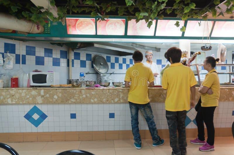 内部的餐馆 免版税图库摄影