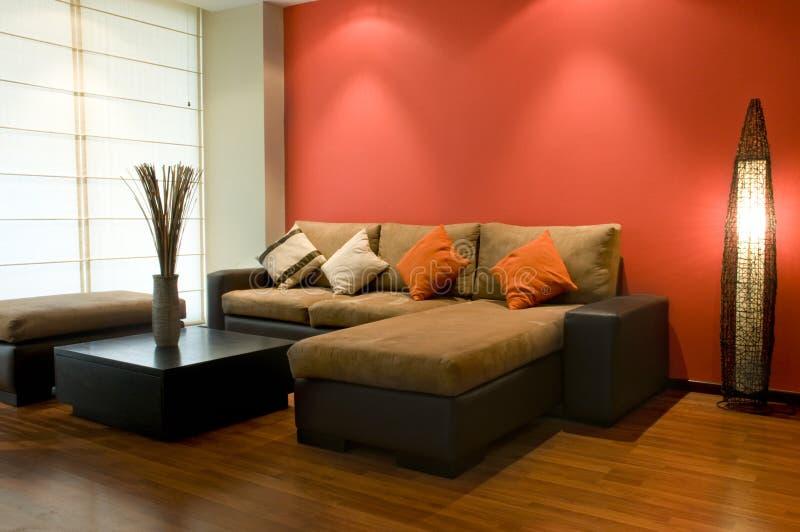 内部装饰业; 美丽的客厅 免版税库存照片