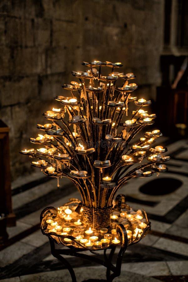 内部观点的Basilica De桑特克罗齐 免版税库存图片