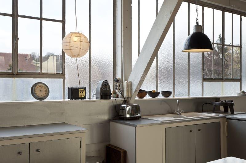 内部顶楼,厨房 免版税库存照片