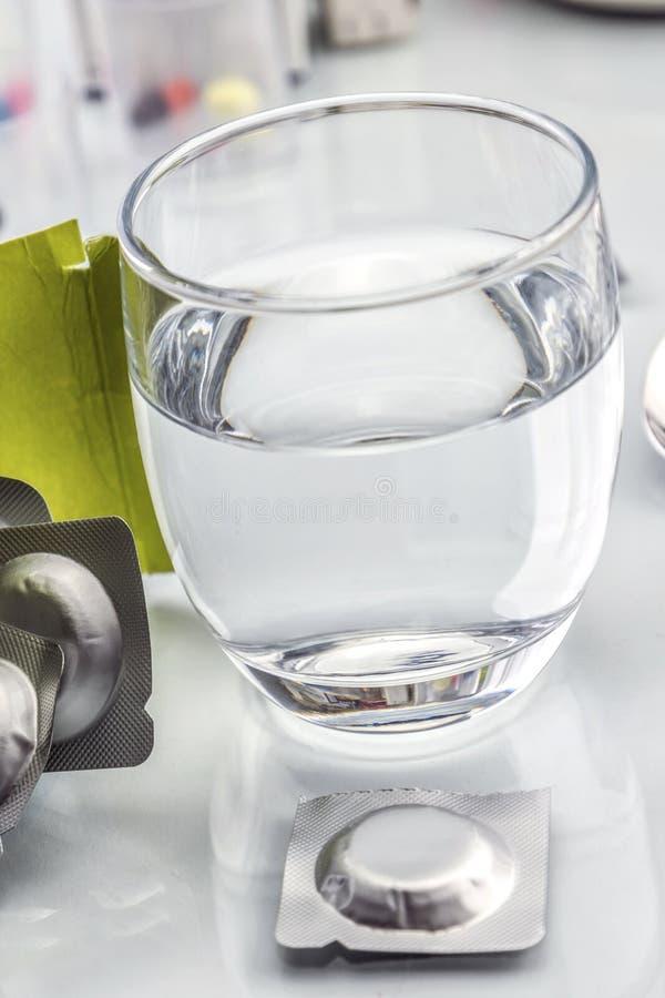 冒泡玻璃压片水 图库摄影