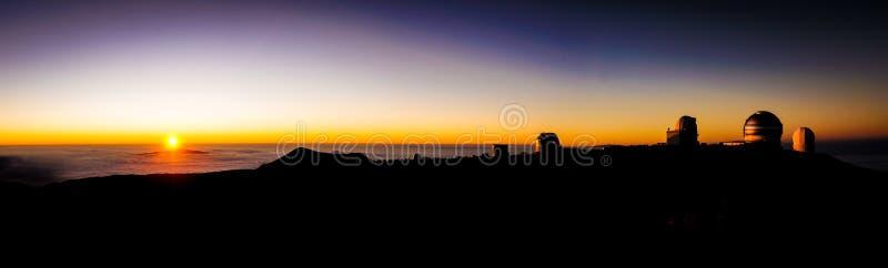 从冒纳凯阿火山夏威夷的日落 库存图片