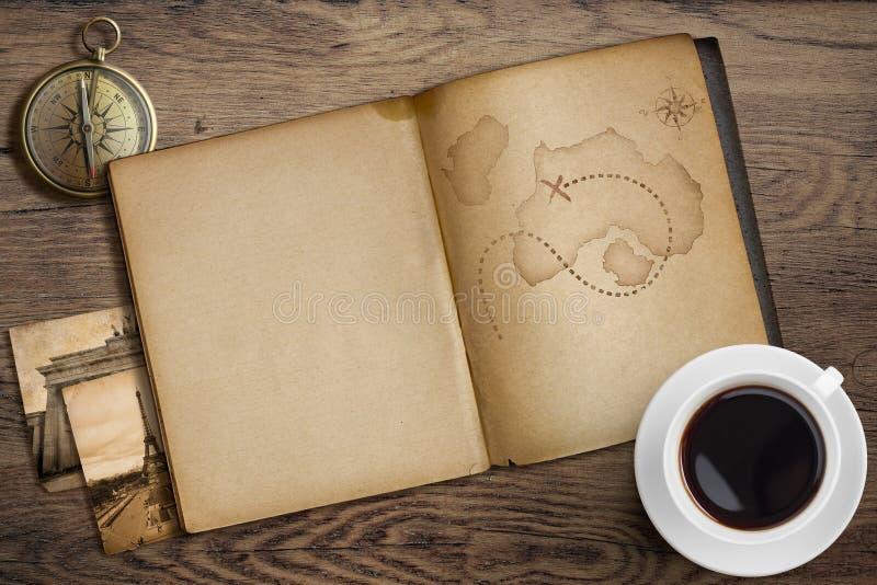 冒险和旅行船舶题材 日志与 免版税库存图片