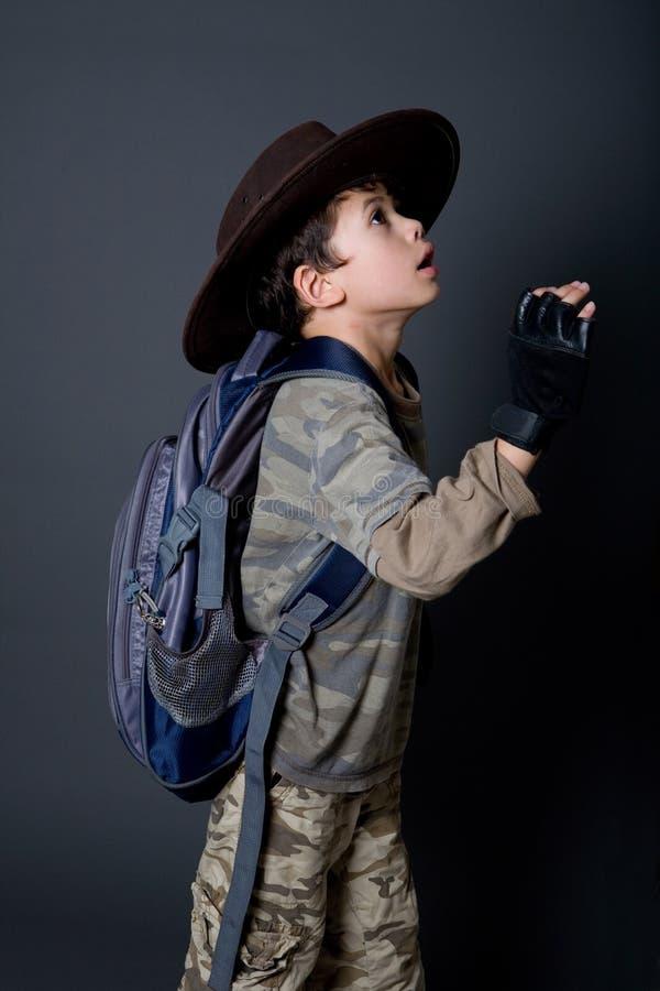 冒险家是男孩假装 免版税图库摄影