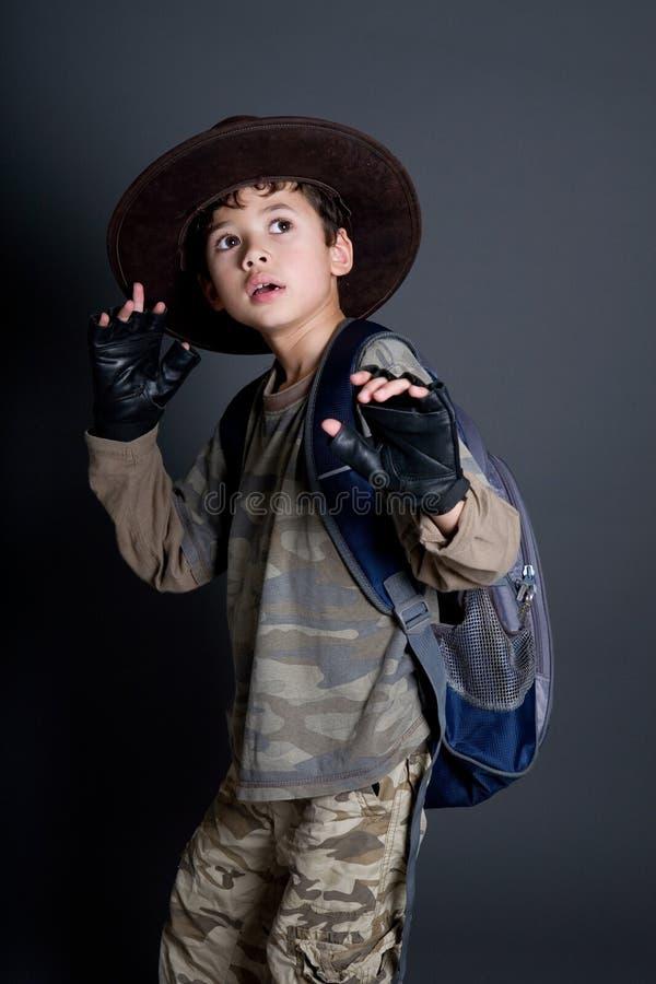 冒险家是男孩假装 免版税库存照片