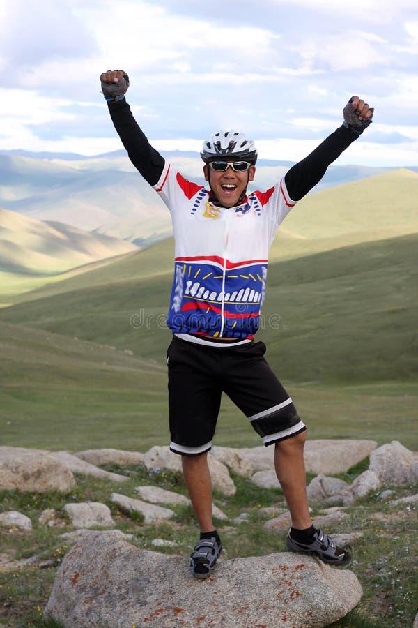 冒险骑自行车的山 库存图片