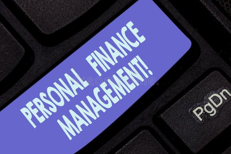 写个人理财管理的手写文本 概念意思analysisaging的收入、费用和投资 库存图片