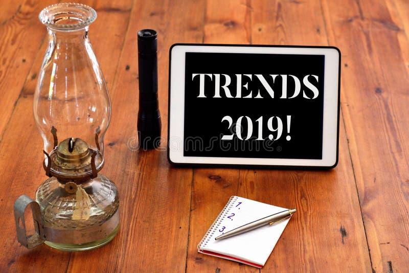 写文本趋向的词2019年 某事开发或改变的基本方向的企业概念 库存照片