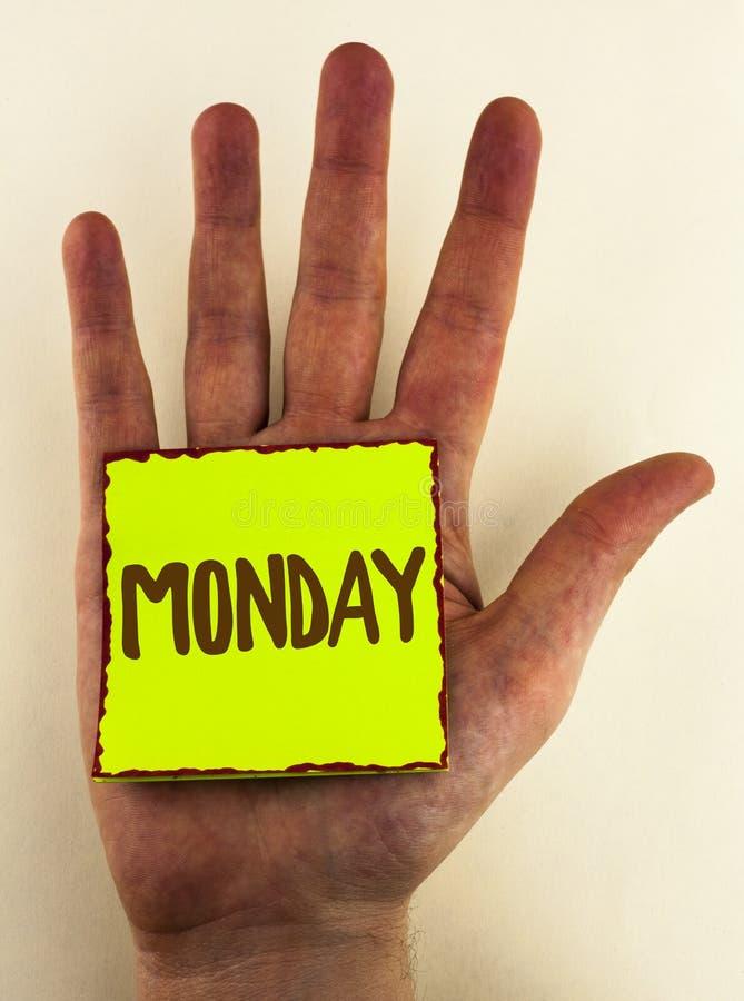 写星期一的手写文本 概念意思第一星期回到工作周末在稠粘及早写的醒来 库存图片