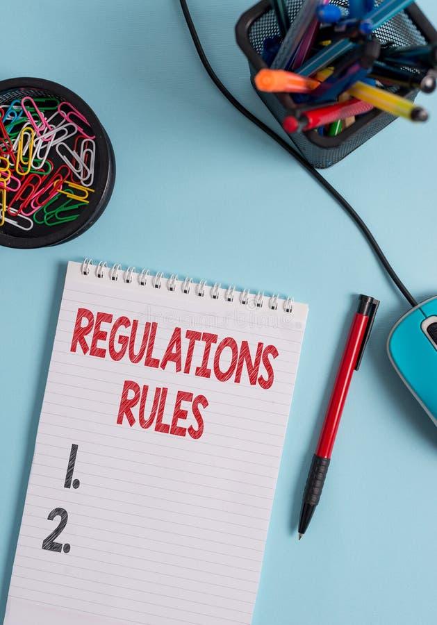 写显示章程规则的笔记 陈列标准声明做法的企业照片治理控制a 免版税库存照片
