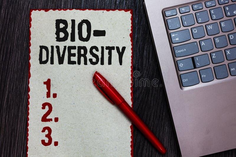 写生物变化的手写文本 意味生活有机体海洋动物区系生态系栖所片断纸红色b的品种概念 库存照片