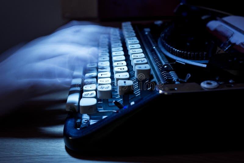 代写老打字机 免版税图库摄影