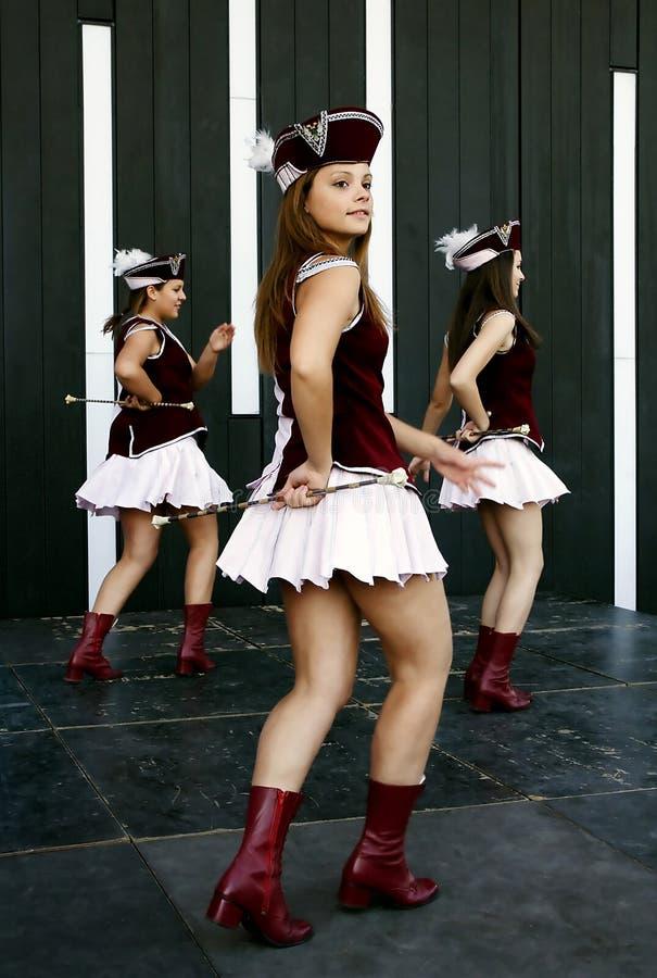 军乐队女队长的舞蹈从Montenegro 免版税库存照片
