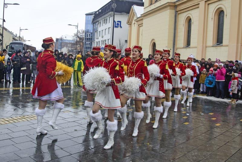 军乐队女队长的节日在街道上的 免版税库存照片
