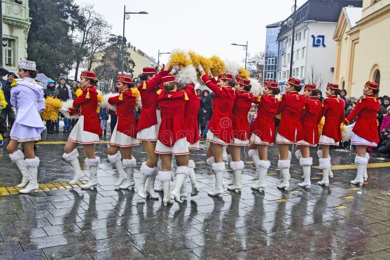 军乐队女队长的节日在街道上的 库存图片