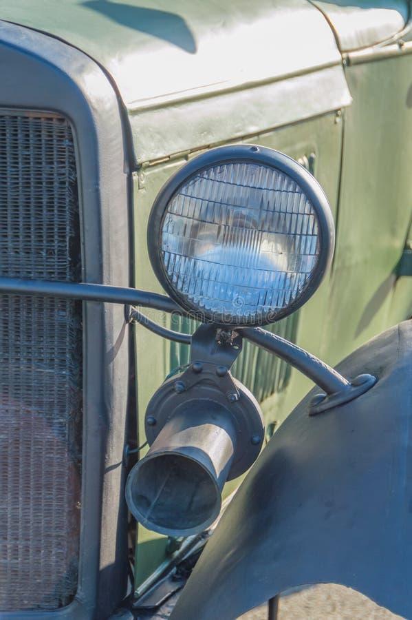 军事减速火箭的汽车、车灯和信号 免版税库存图片