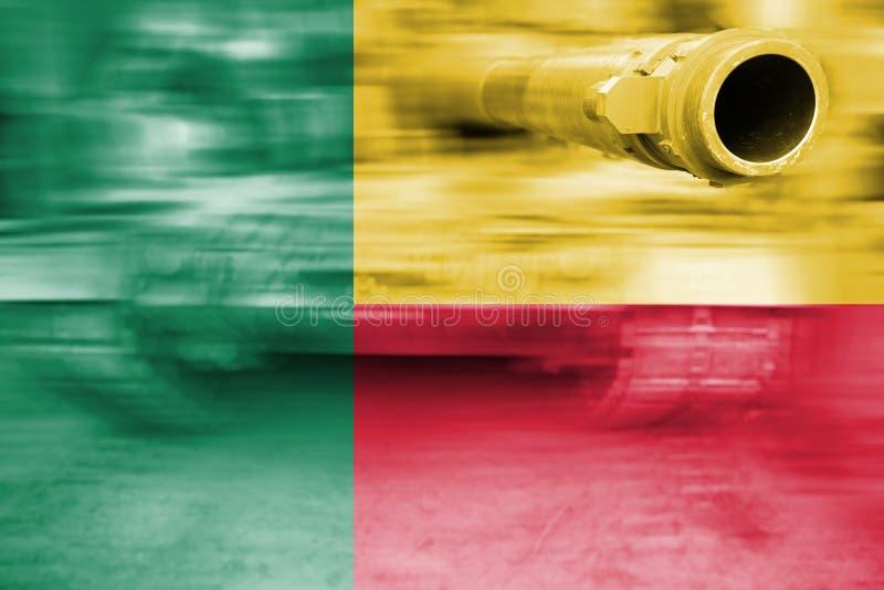 军事力量题材,与贝宁旗子的行动迷离坦克 免版税图库摄影