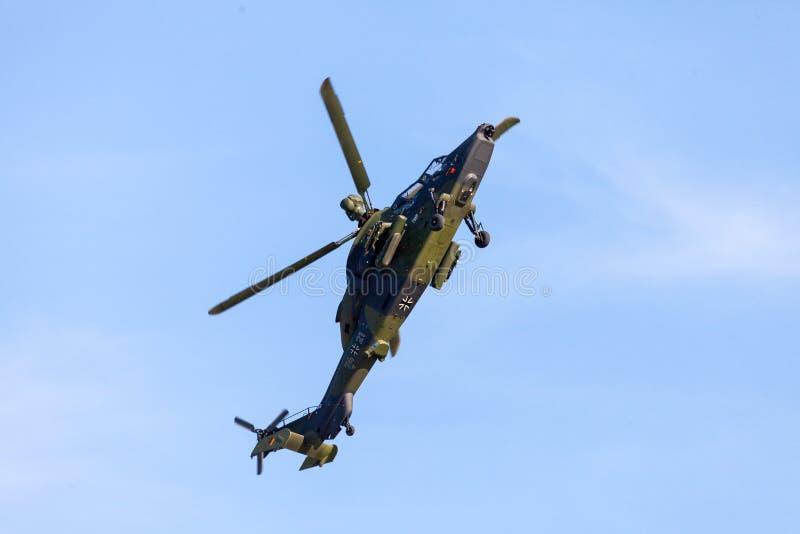 军事有双发动机的攻击用直升机老虎,从空中客车直升机 免版税图库摄影