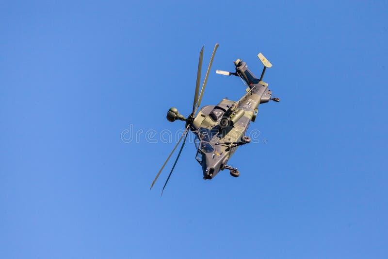 军事有双发动机的攻击用直升机老虎,从空中客车直升机 库存照片
