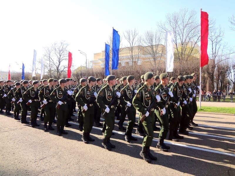 军事游行在俄罗斯5月9日 库存照片