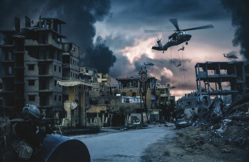军事直升机和力量在被毁坏的城市 库存例证
