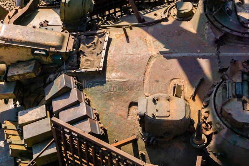 军事背景-老坦克的塔的片段 免版税库存照片