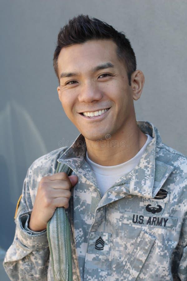 军事英俊的亚裔军队人 库存照片