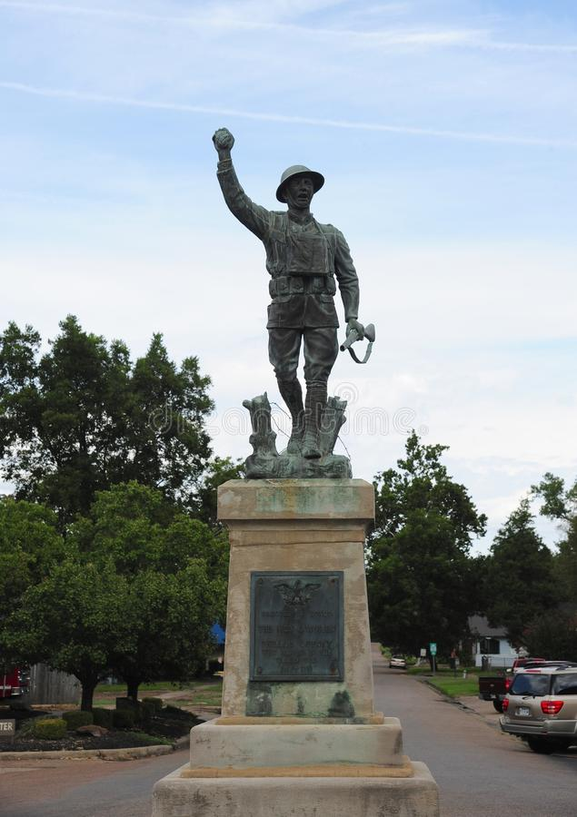 军事雕象在菲利普斯县,海伦娜阿肯色镇中心  免版税库存照片