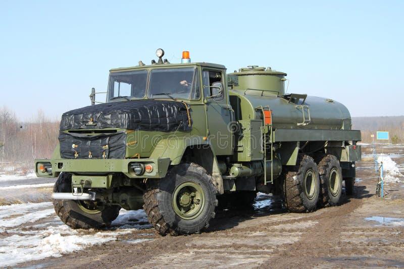 军队加油车 免版税库存照片