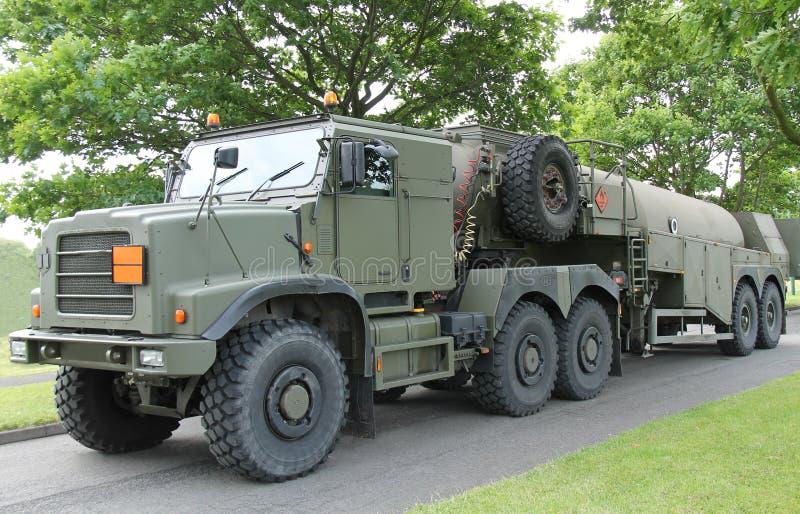 军队燃料罐车。 免版税库存图片