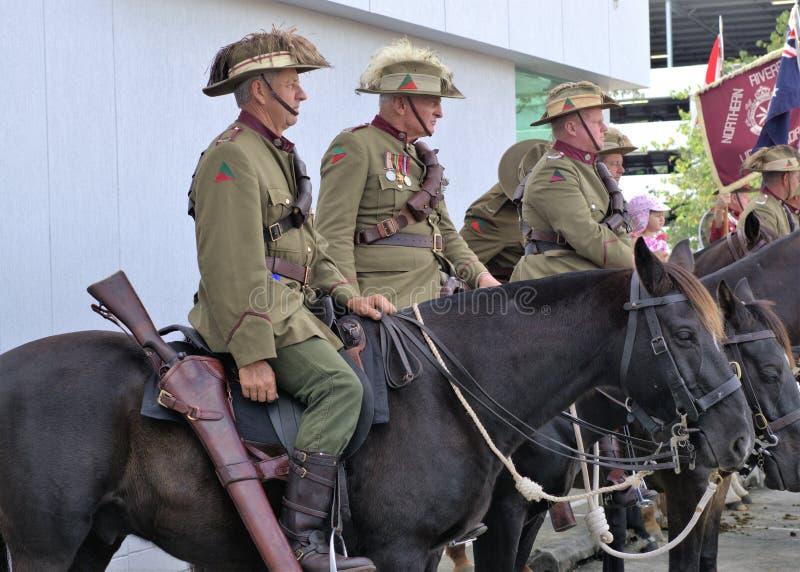 军队退伍军人在安扎克天在澳大利亚游行 库存图片