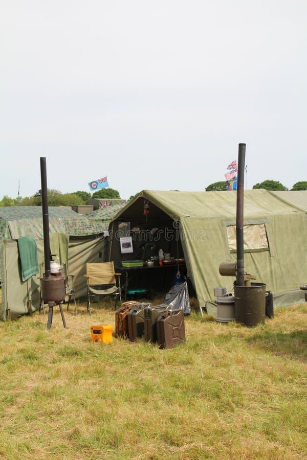 军队野外用的全套炊具火炉 免版税库存图片