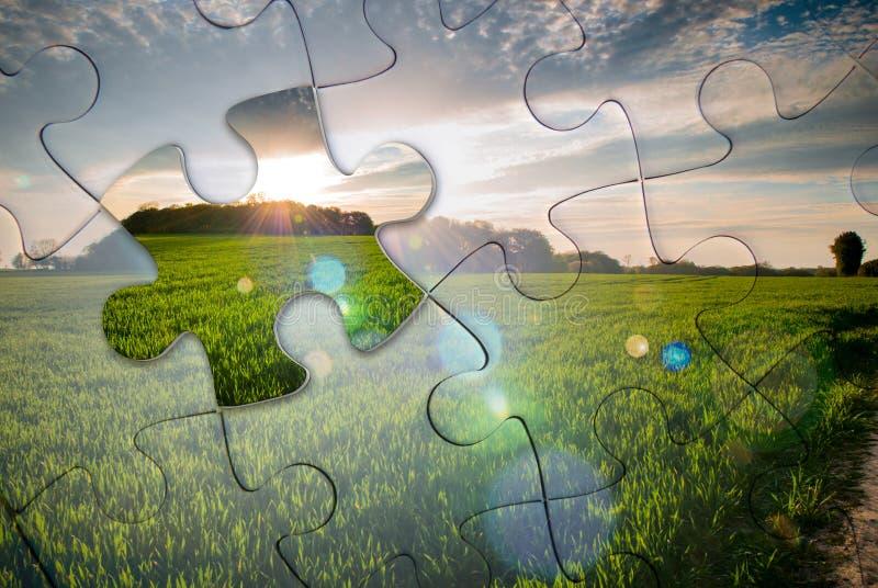农业和种田与曲线锯的片断的解答概念 免版税库存照片