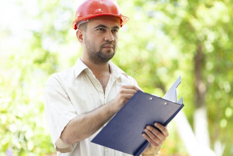农业工程师在工作 免版税图库摄影