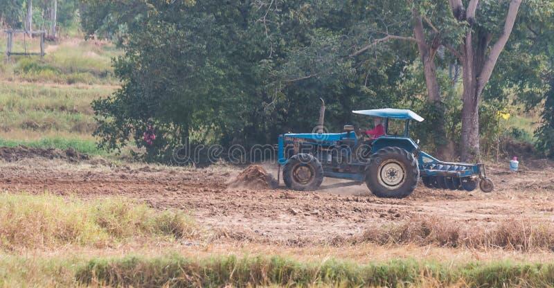 农业的移动的拖拉机 图库摄影