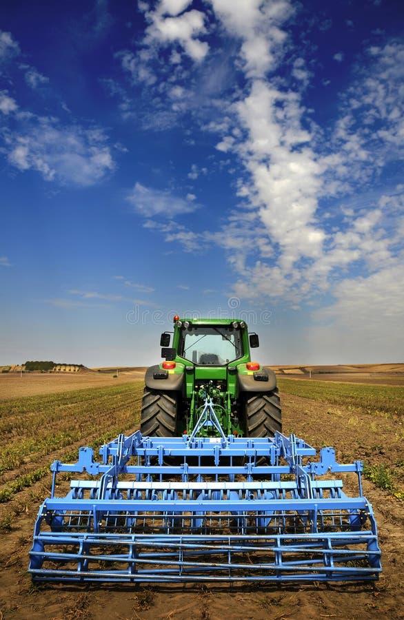 农业设备现代拖拉机 免版税库存照片