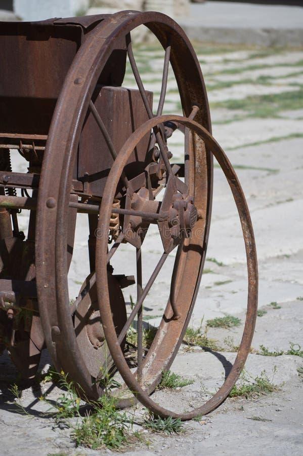 农业齿轮的老轮子 库存图片