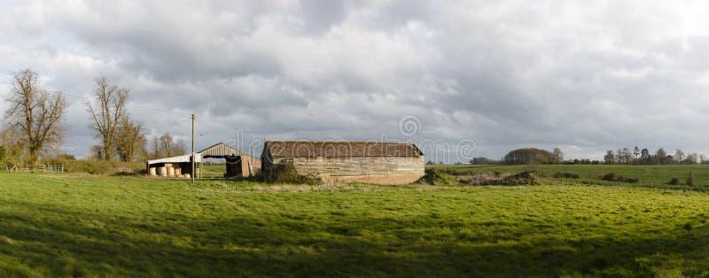 农场全景在英国乡下 免版税库存图片