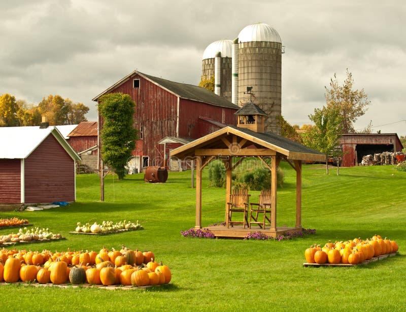 农场在秋天 免版税库存照片