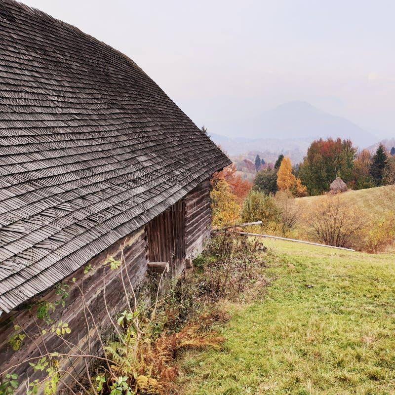 农场在Sohodol在罗马尼亚 免版税库存照片
