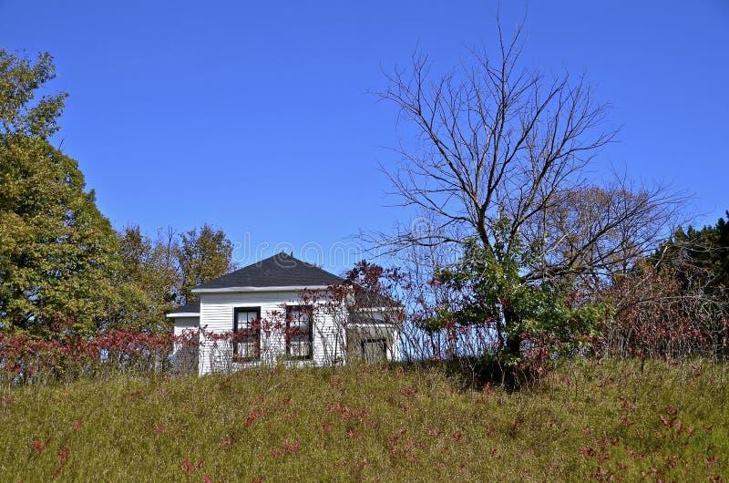 农村国家教会在秋天 库存照片
